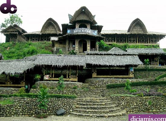 Rumah Makan Lesehan Batu Hitam Cirahong Ciamis
