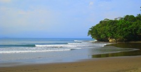 wisata-pantai-batu-karas