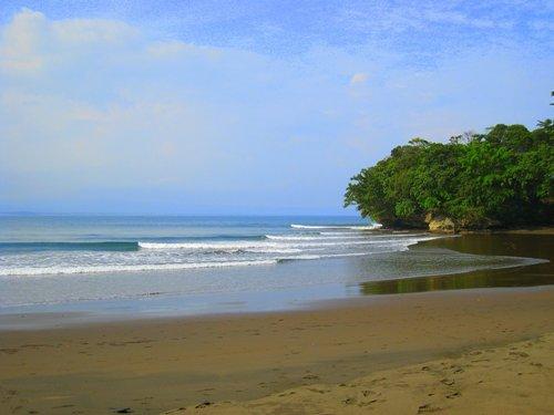 Wisata Pantai Batu Karas