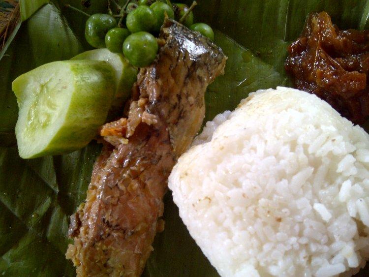 Pepes Ikan Cimari